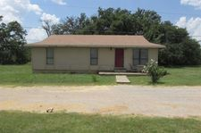 2004 Pioneer Dr, Mineral Wells, TX 76067