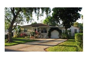 610 Plover Ave, Miami Springs, FL 33166