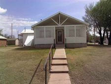311 4th St, Fort Supply, OK 73841