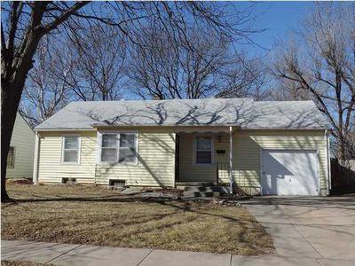 933 N Ridgewood Dr, Wichita, KS