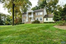 700 Bridle Way, Franklin Lakes, NJ 07417