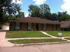 5818 Silver Forest Dr, Houston, TX 77092