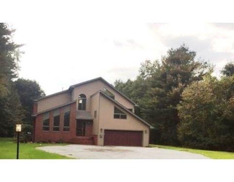 806 Lowell St, Lynnfield, MA 01940