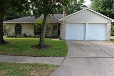 16223 Dew Drop Ln, Houston, TX 77095