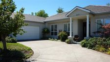 682 Mountain View Dr, Medford, OR 97504