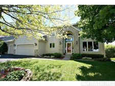 5697 River Oak Dr, Savage, MN 55378