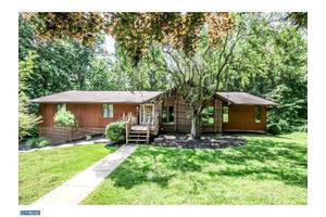 10 Fawn Ln, Chadds Ford, PA 19317