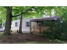 155 Spruce Ln, Mentor, OH 44060