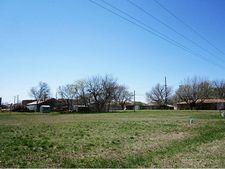 304 N 1st St, Krum, TX 76249