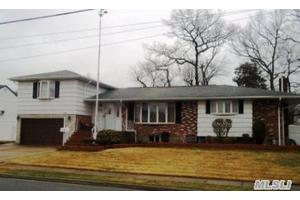 30 5th Ave, Farmingdale, NY 11735