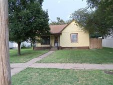 1020 Carroll Ave, Larned, KS 67550