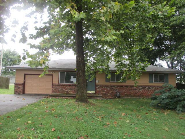 1008 e rosewood st republic mo 65738 for Rosewood ranch cost