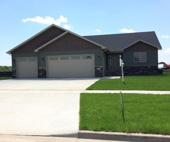 289 Monarch Ln Grand Forks Nd 58201 Home For Sale And