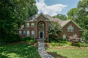 1907 Springcroft Dr, Franklin, TN 37067