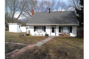 9985 Silvercreek Rd, Wadsworth, OH 44281