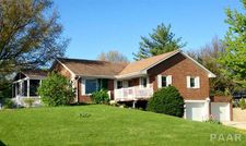 802 Lake Rd, Eureka, IL 61530