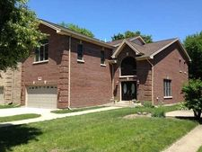 7905 Linder Ave, Morton Grove, IL 60053