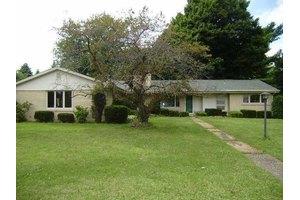 6216 Raymond Ct, Fairview Township, PA 16505