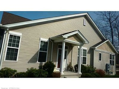 22 White Oak Dr, Prospect, CT 06712