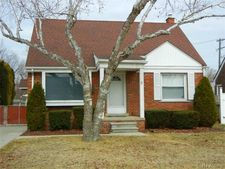 25650 Orchard Dr, Dearborn Heights, MI 48125