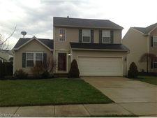 553 Beechwood Ln, Painesville, OH 44077