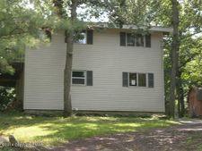 540 Highpoint Dr, Bartonsville, PA 18321