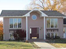901 Teton Ave, Shelby, MT 59474