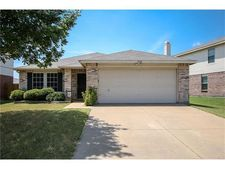 5504 Costa Mesa Dr, Fort Worth, TX 76244