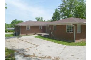 520 Julian Ave, Archdale, NC 27263