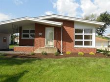 7840 Monroe Ave, Munster, IN 46321