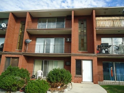 8631 S 82nd Ave Apt 3 C, Hickory Hills, IL 60457