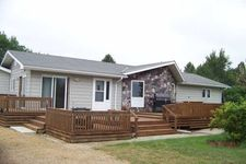 1323 8th Ave Nw, Mercer, ND 58559
