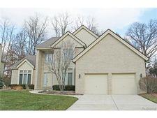 5247 Park Ridge Ct, West Bloomfield Township, MI 48323