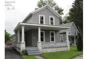 27 Woodlawn Ave, Norwalk, OH 44857