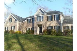 99 Beecher Rd, Woodbridge, CT 06525
