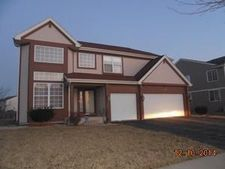 5900 Lucerne Ln, Lake In The Hills, IL 60156