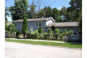 649 Massena Ave, Waukegan, IL 60085