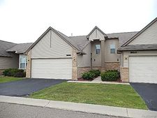 26067 Pinehurst, Warren, MI 48091