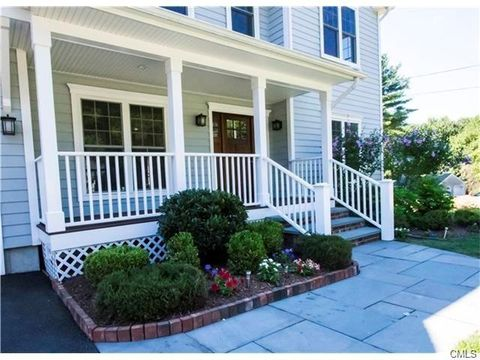 127 Barberry Rd, Fairfield, CT 06890