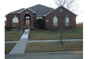 1704 Hartin Dr, Cedar Hill, TX 75104