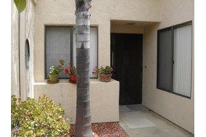 12836 Via Moura, San Diego, CA 92128