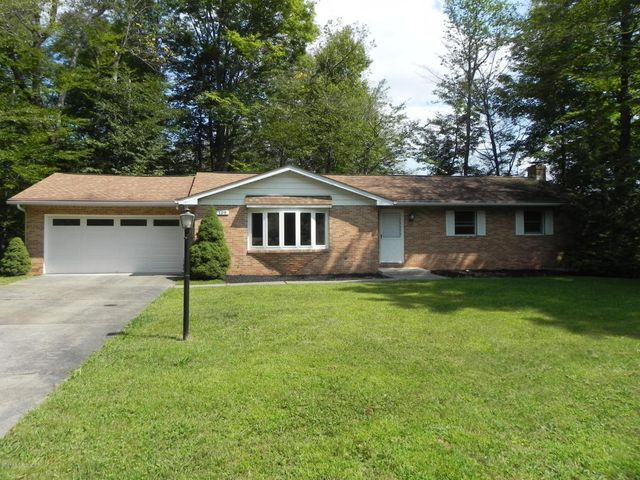 109 Forest Dr, Roaring Brook Twp, PA 18444 - realtor.com®