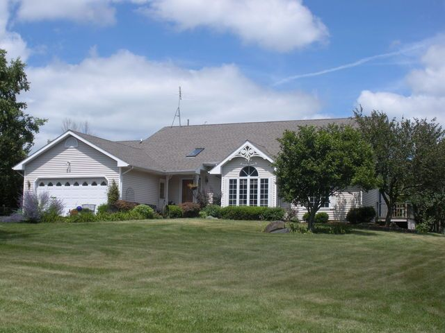 5308 Mc Cullom Lake Rd, McHenry, IL 60050