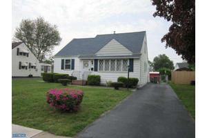 3440 Victor Ave, Brookhaven, PA 19015