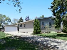 1504 Leslie Ave, Round Lake Beach, IL 60073
