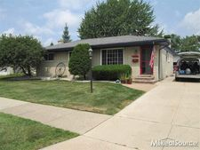 20513 Shores St, Saint Clair Shores, MI 48080