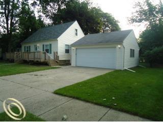 2960 Tyler Ave, Berkley, MI