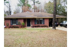 104 Ray Carpenter Rd, Natchitoches, LA 71457