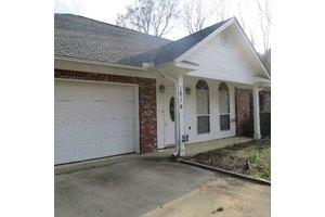 1016 Yorktown Rd, Vicksburg, MS 39180