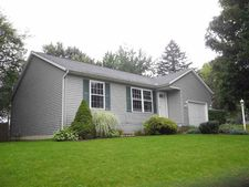 1314 Viking Dr, South Bend, IN 46628
